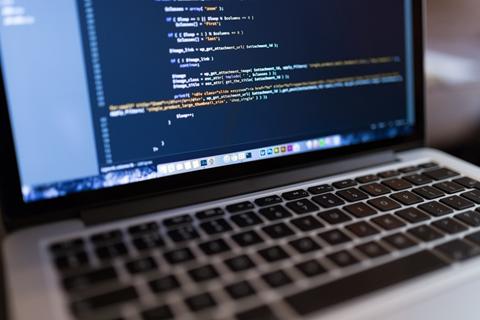 Atak Domain de Yazılım Uzmanı Hangi Konulara Hâkim Olmalı