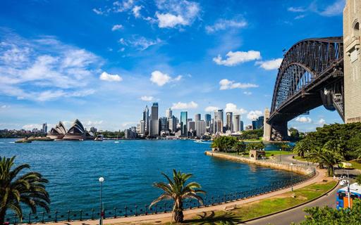 How to buy a Australia .au domain name ?